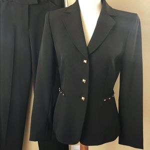 NWT Tahari Blazer and Trousers 2-Piece Suit